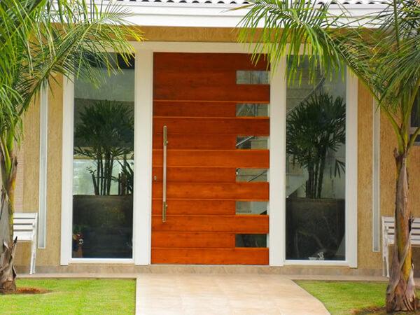 Os modelos de portas diferenciados valorizam o imóvel