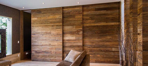 Os modelos de portas painéis decoram e integram ambientes