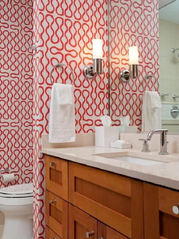 Papel de parede para lavabo com estampas vermelhas