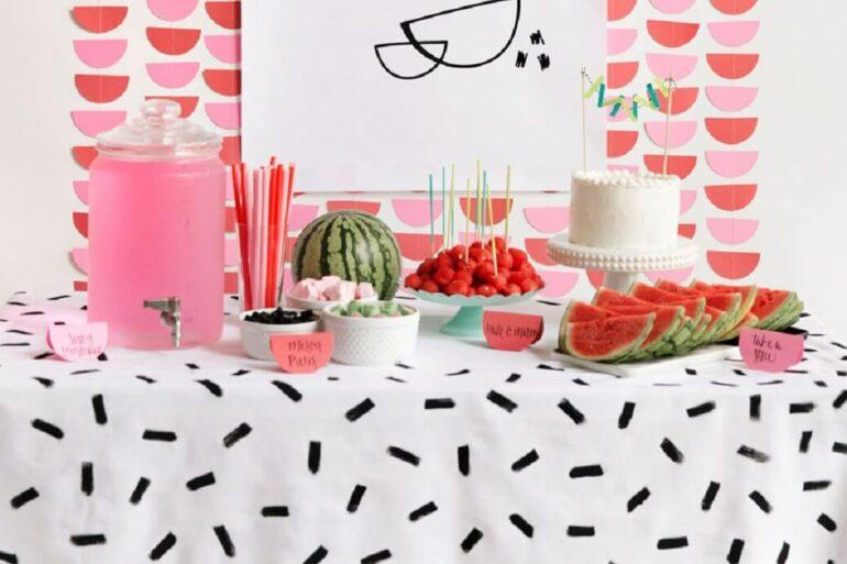 Tema melancia para decoração de aniversário simples. Fonte: Pinterest