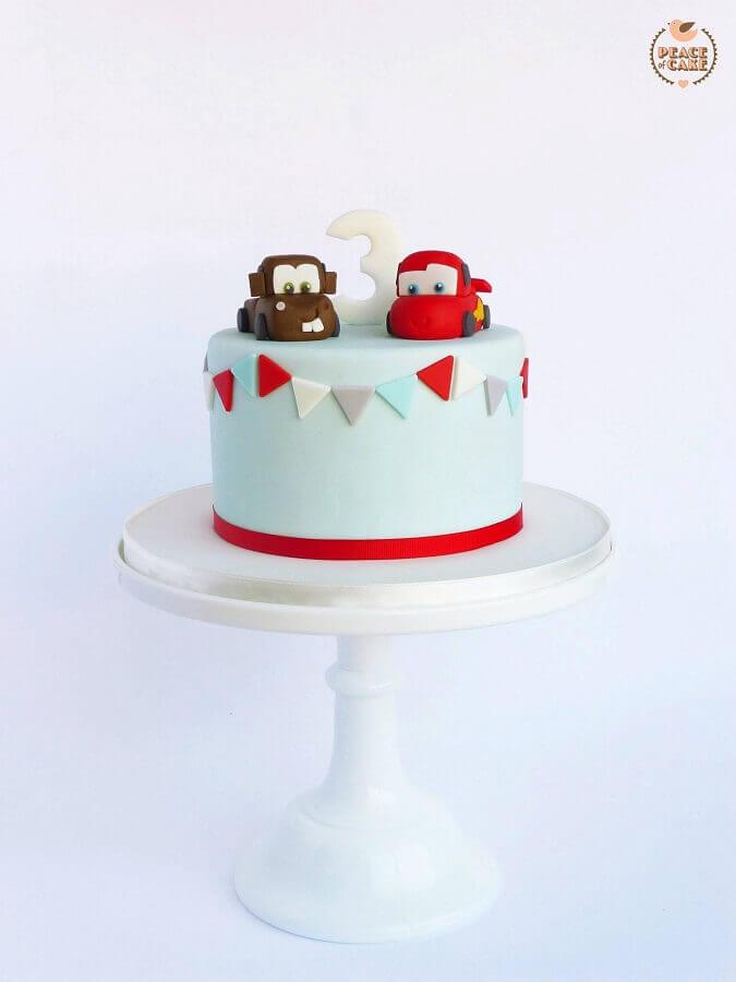 bolo mesversário decorado com o tema carros Foto Peace of Cake