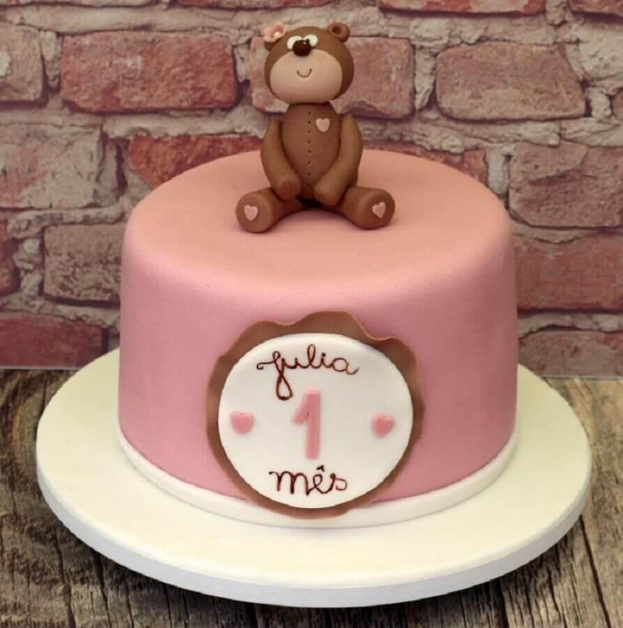 bolo mesversário feminino decorado com ursinho no topo Foto Lu Martinez