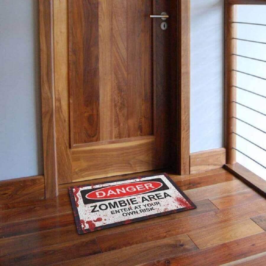 capacho de porta divertido com referência a zumbis Foto Geek 10