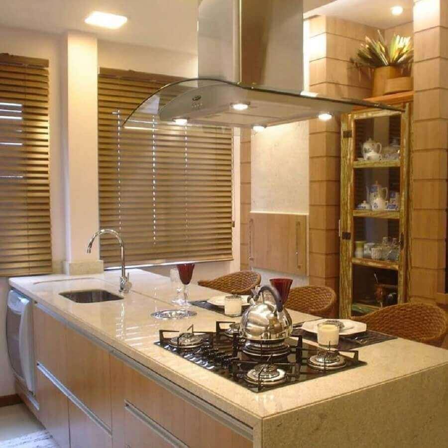 cozinha planejada com granito branco marfim para ilha Foto Pedrita Marmoraria