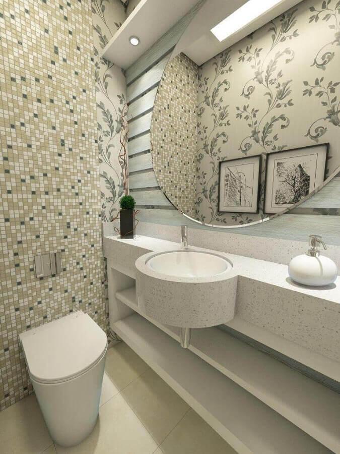 cuba pequena para lavabo decorado com papel de parede e pastilhas Foto Ednilson Hinckel