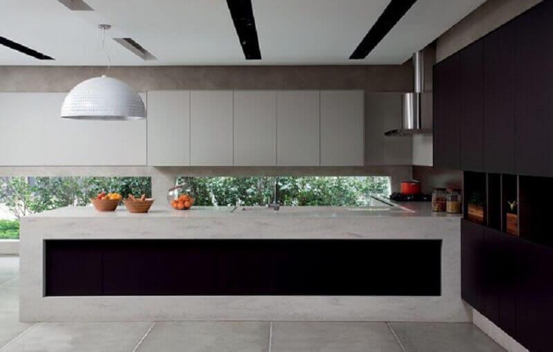 decoração arrojada para cozinha moderna com teto de gesso Foto Carniato Blog