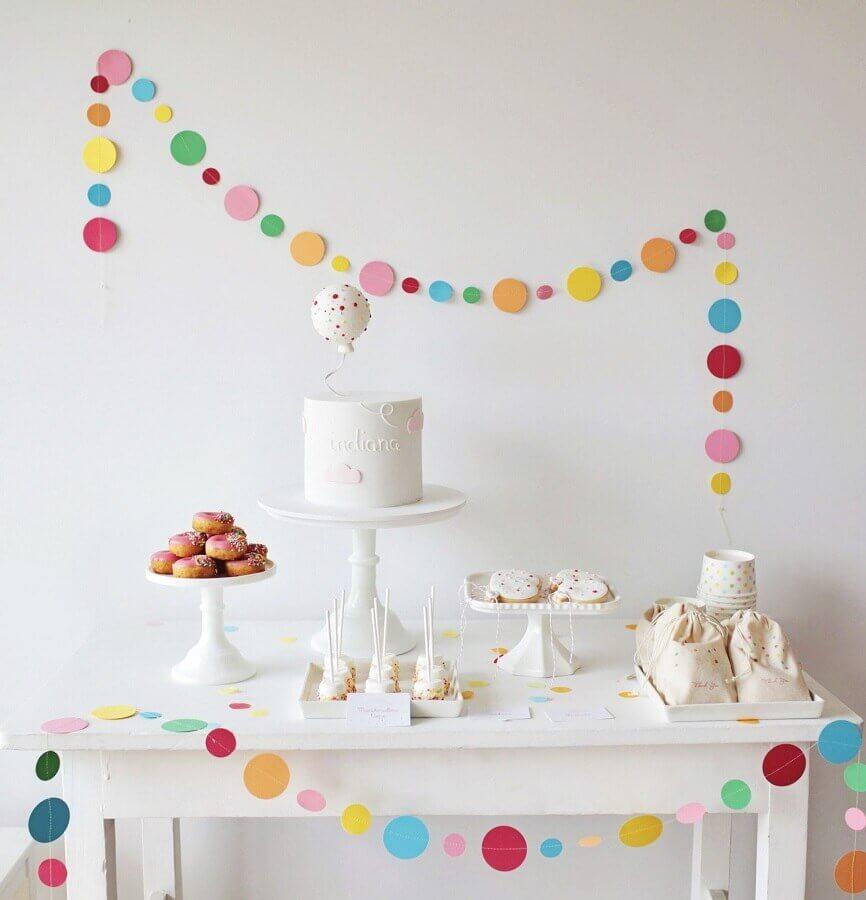 decoração colorida para mesversário simples Foto Belle Chantelle