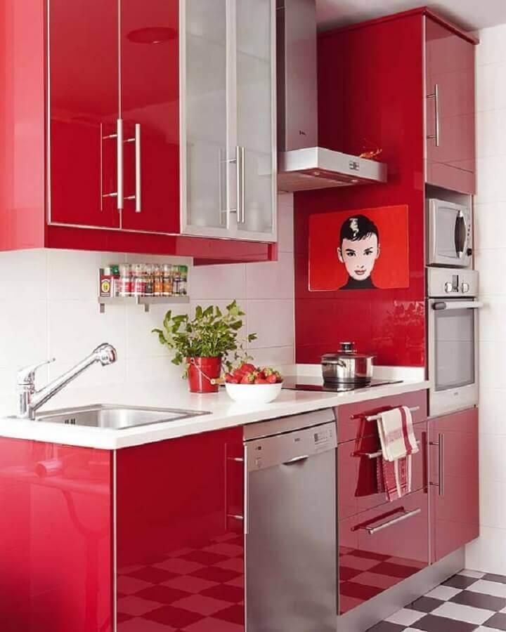decoração com armário de cozinha vermelho planejado Foto Arquitrecos