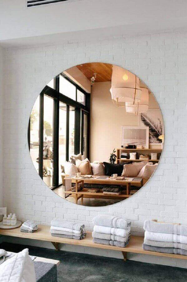 decoração com espelho redondo na cor cobre Foto Mirror Designs