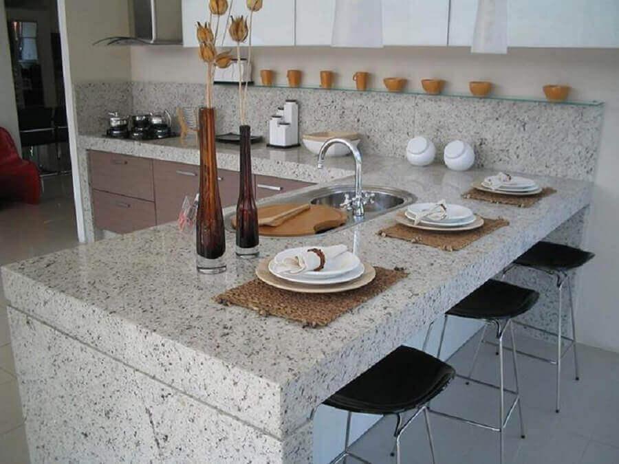 decoração de cozinha planejada com Granito branco Polar Foto Perfect Mármores e Granitos