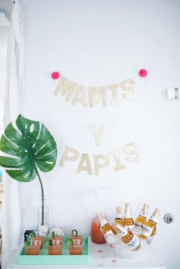 decoração de mesversário com cantinho para bebidas Foto Neu dekoration stile