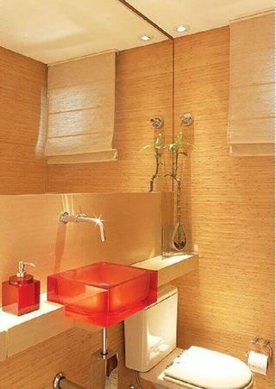 decoração em tons neutros com cuba de acrílico para lavabo Foto Pinterest