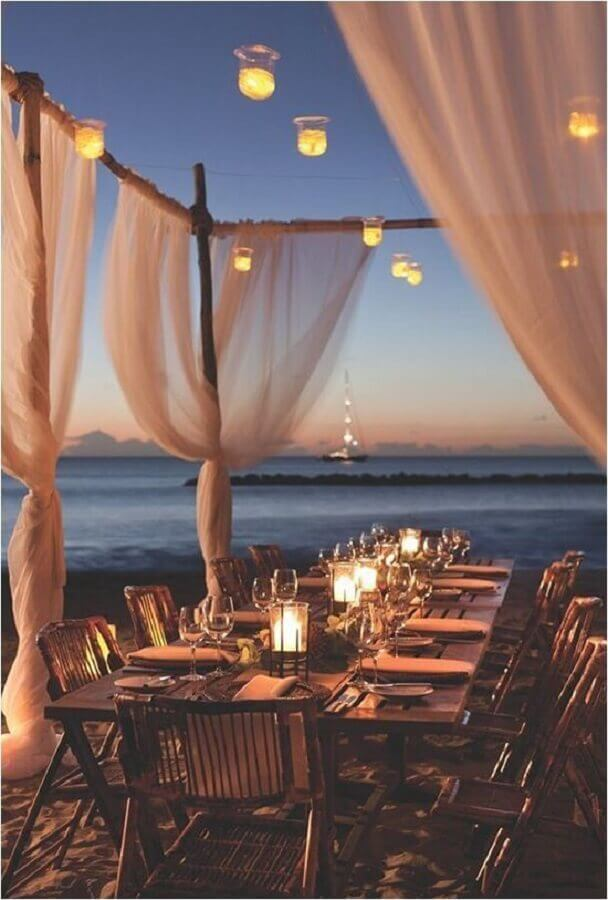 decoração para festa luau na praia Foto Weddbook