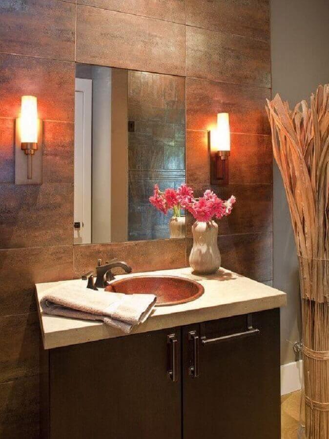 decoração para lavabo com cuba de bronze Foto New Urban Home Builders