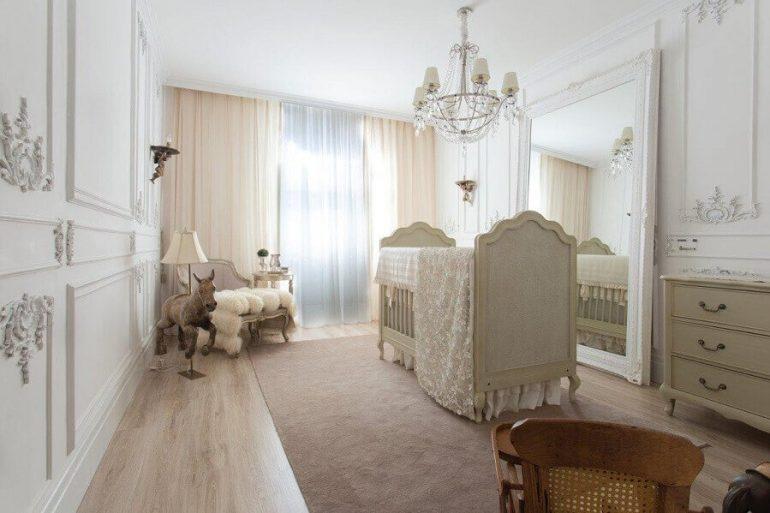 decoração provençal com lustre candelabro para quarto de bebê todo branco Foto Casa Cor 2016