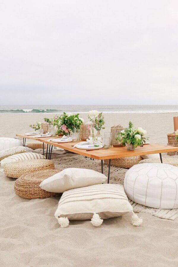 decoração rústica para festa luau na praia Foto Beijos Events