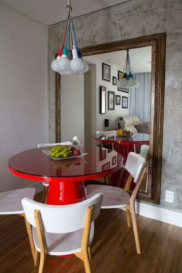 decoração sala de jantar pequena com mesa redonda vermelha Foto Eu Amo Decoração