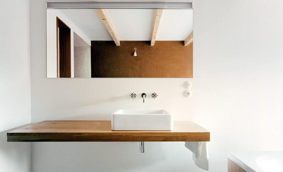decoração simples com cuba pequena para lavabo com bancada de madeira  Foto Wood Save