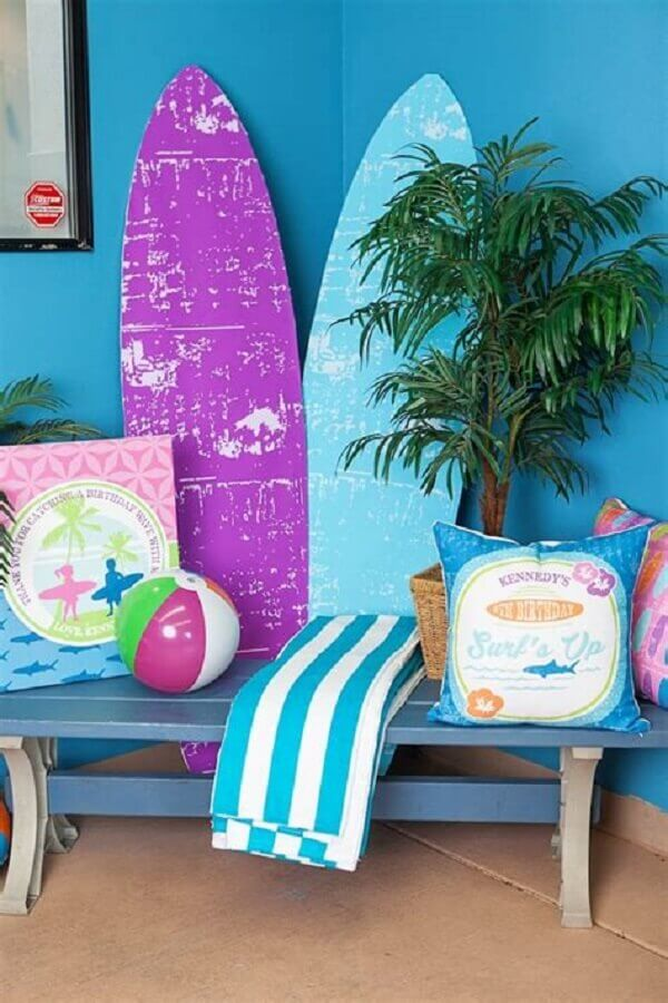 festa luau decorada com prancha de surf Foto King Nail