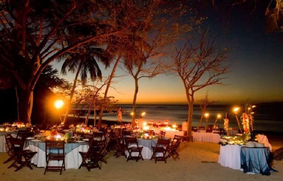 festa luau decorada na praia Foto ASP Eventos & Buffet