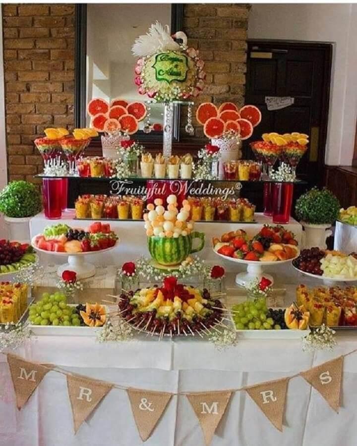ideia de mesa de frutas para casamento Foto Pinterest