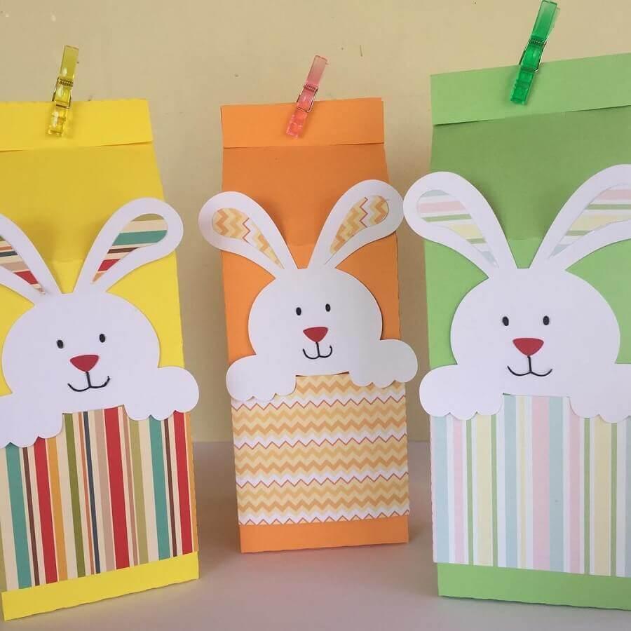 lembrancinhas de páscoa para escola com sacolinha de papel decorada  Foto Gisela Signorelli