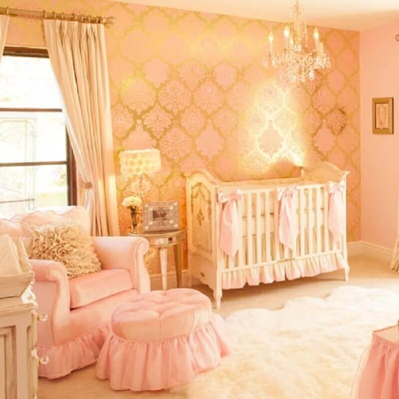 lustre para quarto de bebê feminino rosa e dourado Foto Popsugar