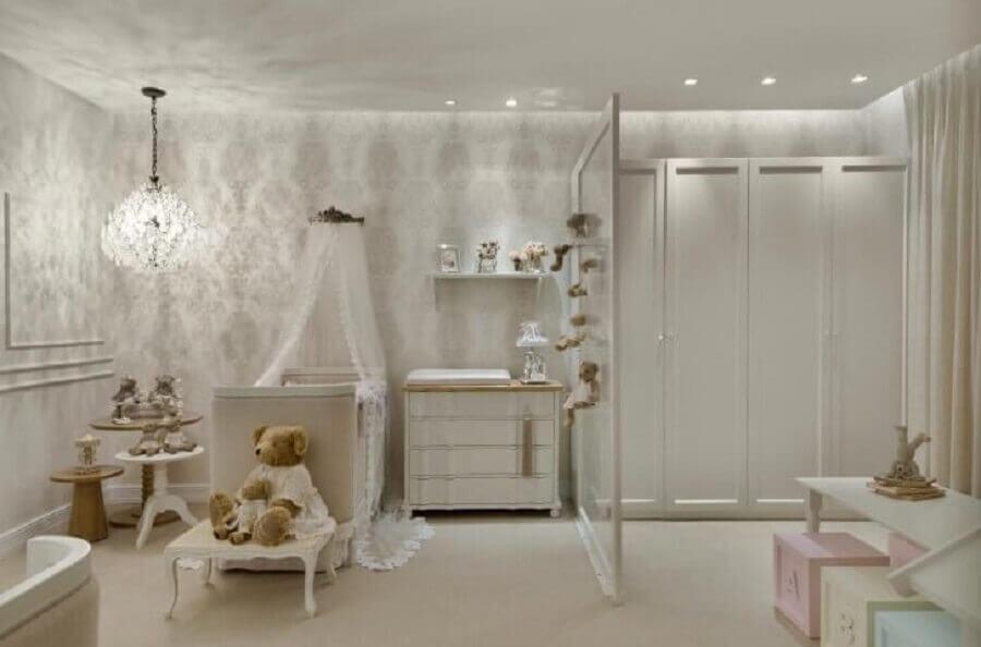 lustre para quarto de bebê sofisticado decorado em tons neutros Foto Casa Cor 2016