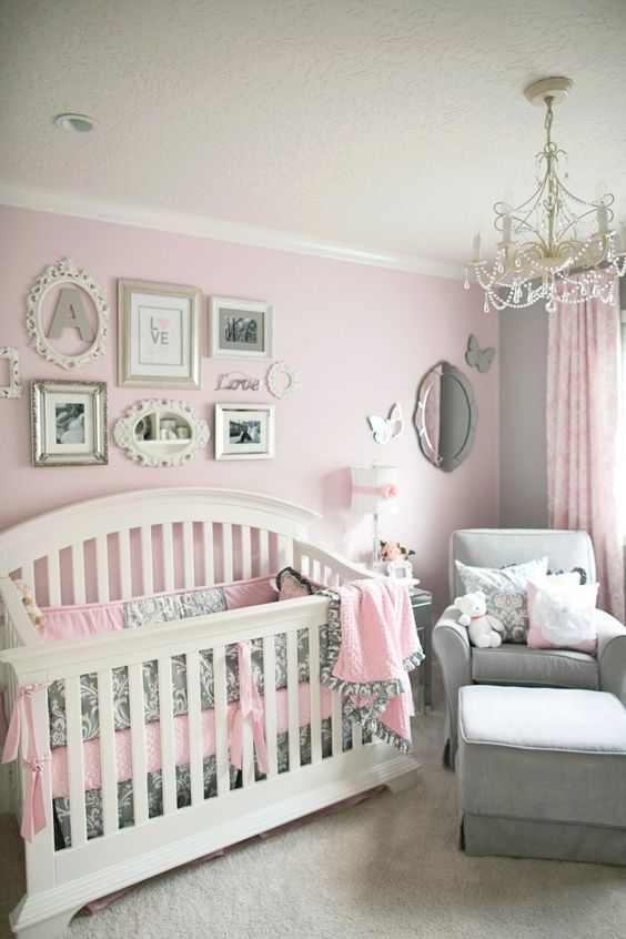 Lustre para quarto de bebê delicado