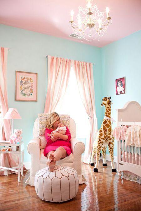 Lustre para quarto de bebê azul e rosa