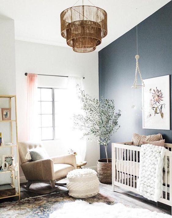Lustre para quarto de bebê neutro