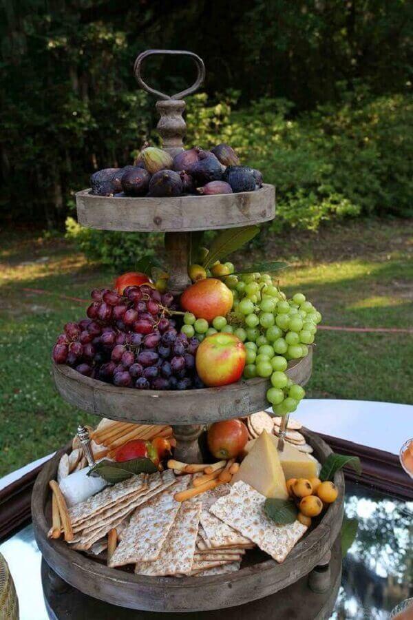 mesa de frutas com decoração rústica Foto Pinterest
