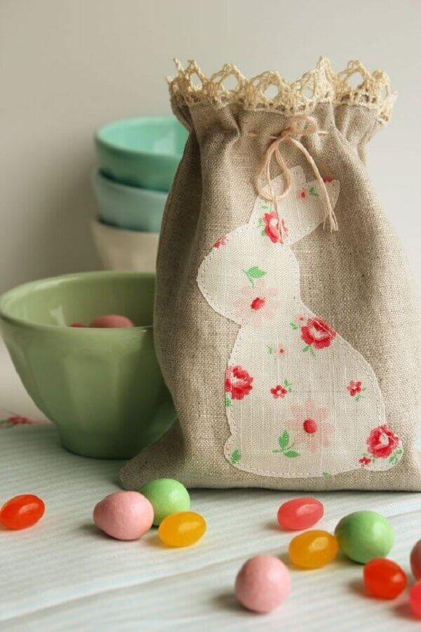 sacolinha rústica para lembrancinhas de páscoa Foto Casa e Festa