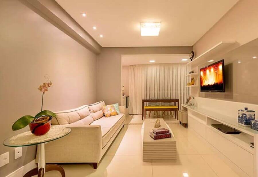 teto de gesso para sala de estar decorada em tons neutros Foto Pinosy
