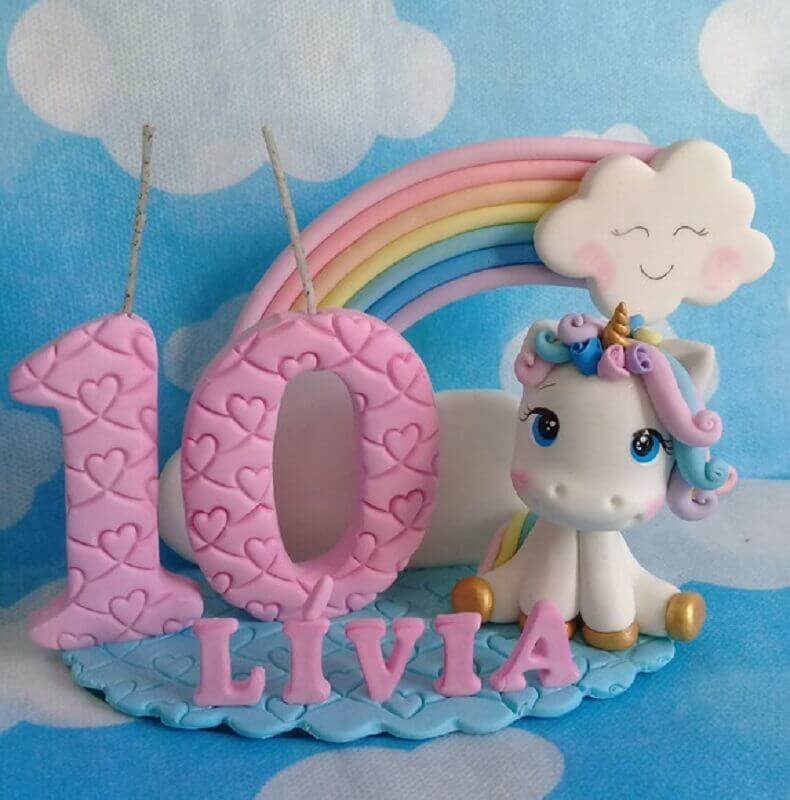 topo de bolo para mesversário menina com tema unicórnio Foto Miart Biscuit