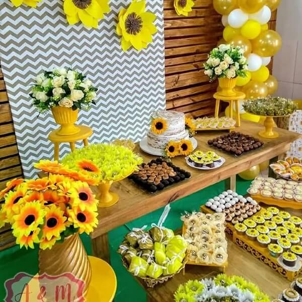 The sunflower-themed birthday party is joyful and enlightened