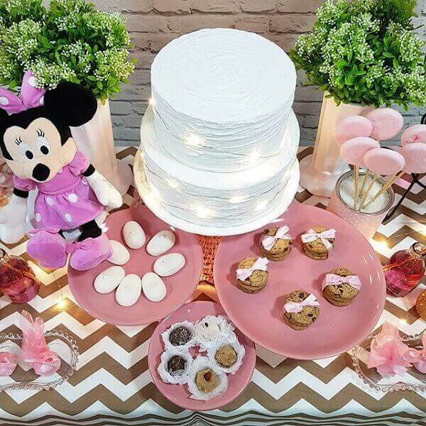 Minnie's plush brought joy to the cake table