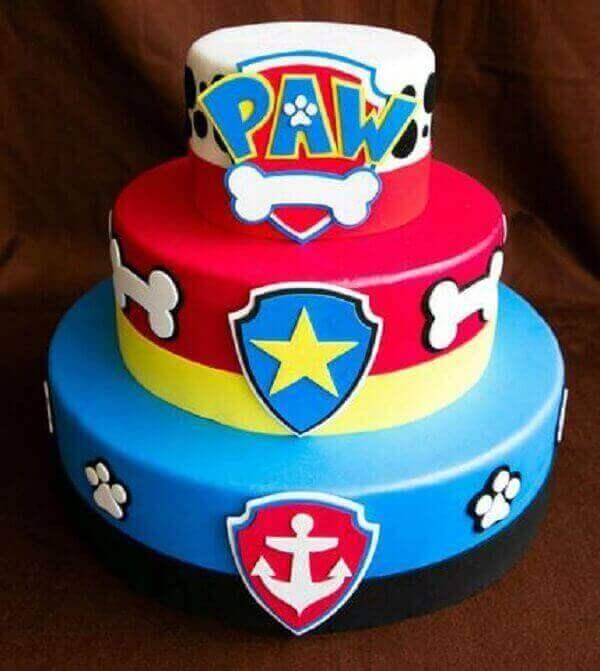 Bolo Fake decorado com o tema de festa patrulha canina