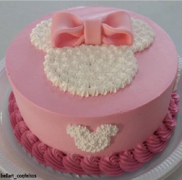 Bolo delicado para festa da minnie rosa