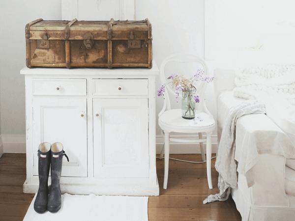 Cômoda vintage para decoração de quarto