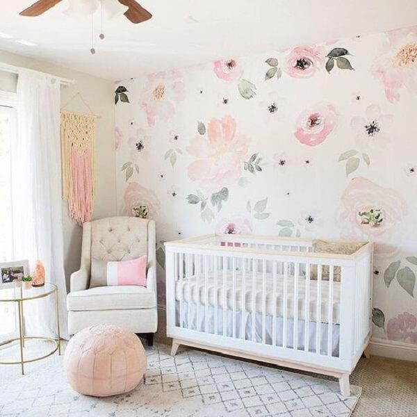 Puff redondo para quarto de bebê na cor rosa claro