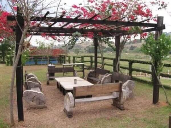 Caramanchão em madeira para espaço de convivência