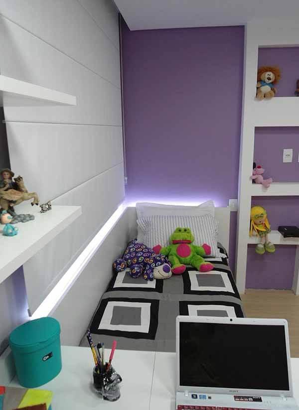 Cor Lilás em quarto de solteiro
