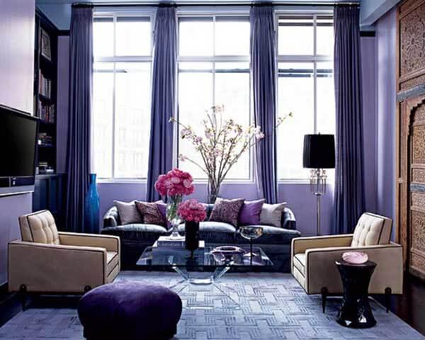 Cor lilás na decoração de sala de visitas