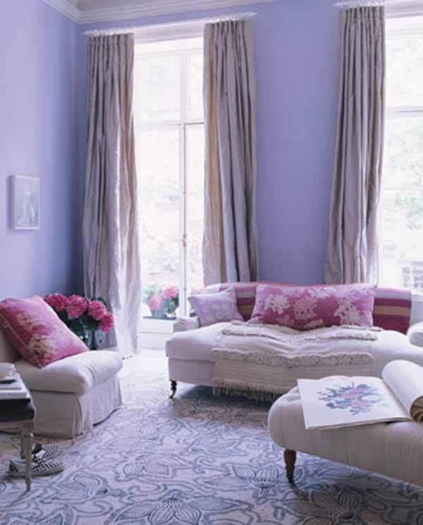 Cor lilás na sala de visita