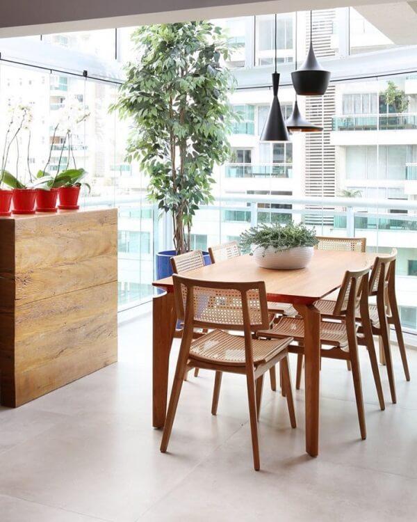 Cortina de vidro em sala de jantar