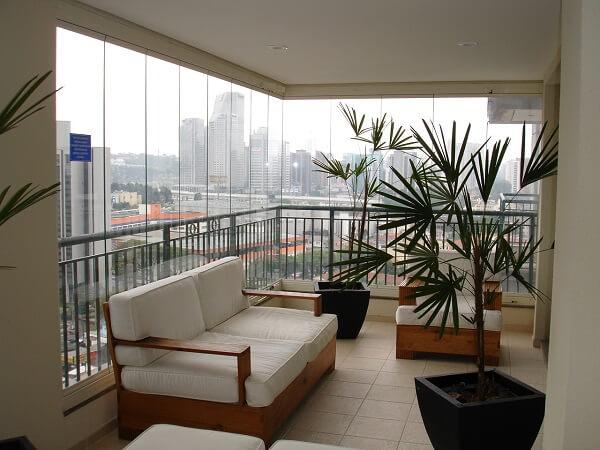 Cortina de vidro em sala de visita