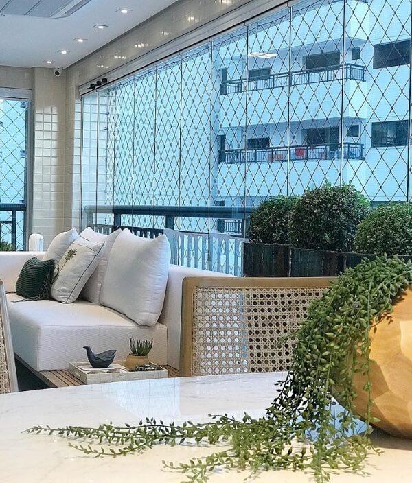 Cortina de vidro em sala