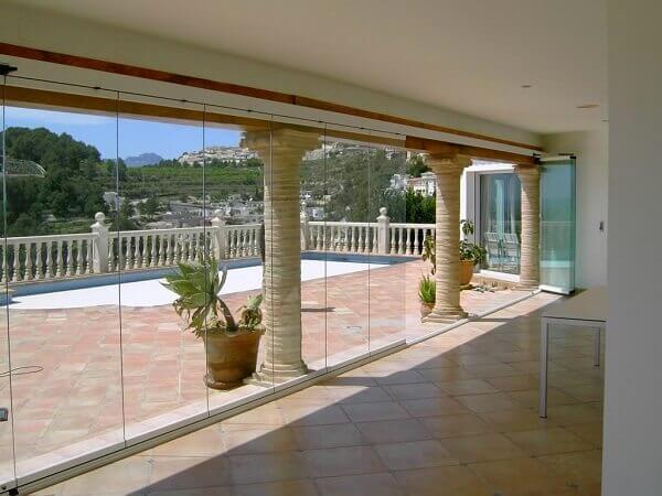 Cortina de vidro para varandas grandes