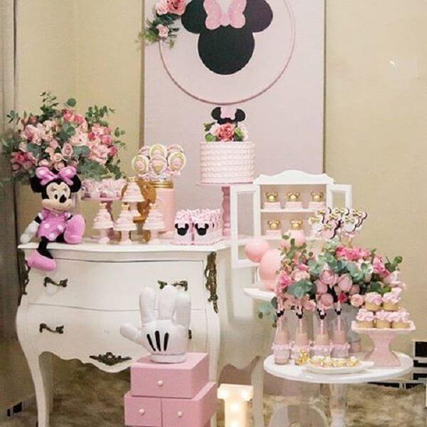 Decoração clean para festa da Minnie rosa